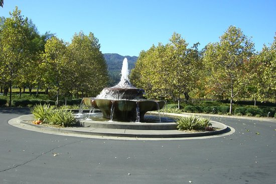 Franciscan Oakville Estate: Franciscan Winery Fountains Napa Valley