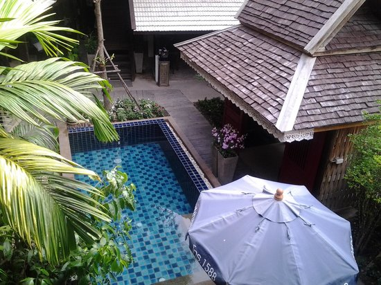 BanThai Village : pool under the family room
