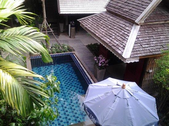BanThai Village: pool under the family room