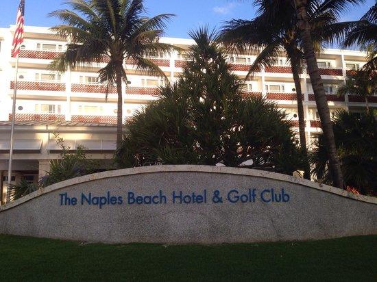 Naples Beach Hotel and Golf Club: Hauptgebäude