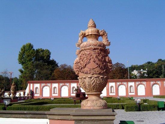 Troja Chateau : Troja Palace