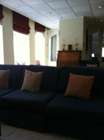Plevna Hotel: 1st floor lounge