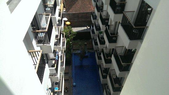 PING Hotel Seminyak Bali: Pool