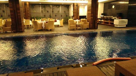 PING Hotel Seminyak Bali : Restaurant