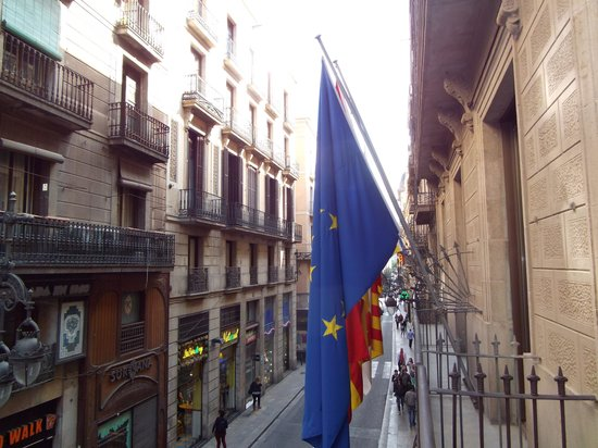 Gran Hotel Barcino: looking right from balcony