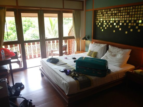 P.P. Erawan Palms Resort : Our bedroom