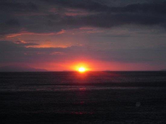 Mar Hotel Alimuri: Sun set at Dinner