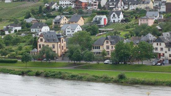 Hotel Villa Melsheimer: Blick von der Burger Seite auf die Melsheimer Villen