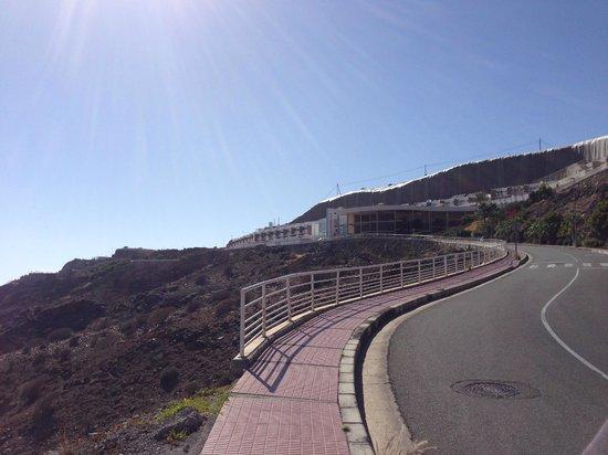 Hotel Altamadores : View Walking towards Hotel