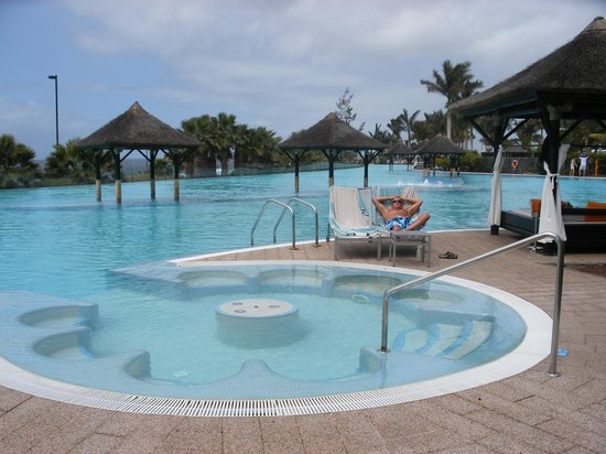 Gran Meliá Palacio de Isora Resort & Spa: Main pool area