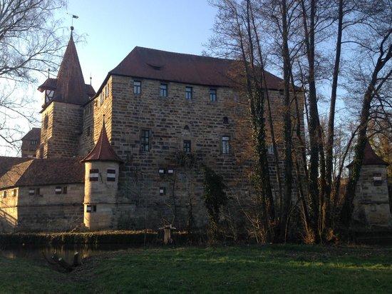 Südlich: Wenzelschloss