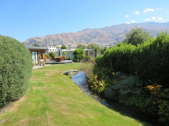 Wanaka Springs Lodge: View from the Hot Tub