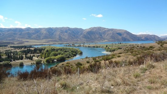 Iconic Tours: Series of lakes and dams