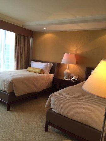 Conrad Hong Kong : ベッドルーム
