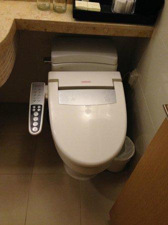Ocean Suites Jeju Hotel : Bidet WC