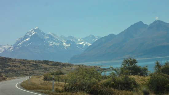 Iconic Tours: On route to Mt Cook