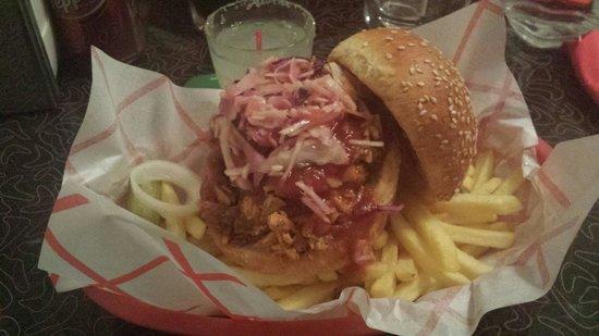Blues Bar-B-Q: Sandwich au poulet un delice!