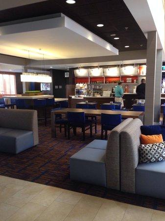 Courtyard Atlanta Marietta/Windy Hill: Lobby cafe