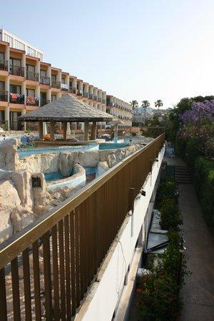 Avlida Hotel: Бассейн