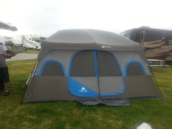 Holiday Trav-L-Park Resort: Our tent