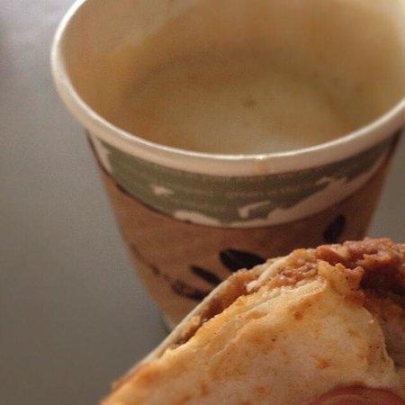 Coffee Gallery: ブリトーとホットオレ☺︎