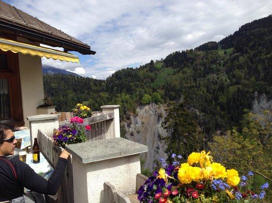 Gasthaus Roessli Versam: Terrasse