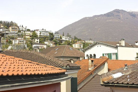 Hotel Schiff-Battello Ascona : Quiet view on the old charming city
