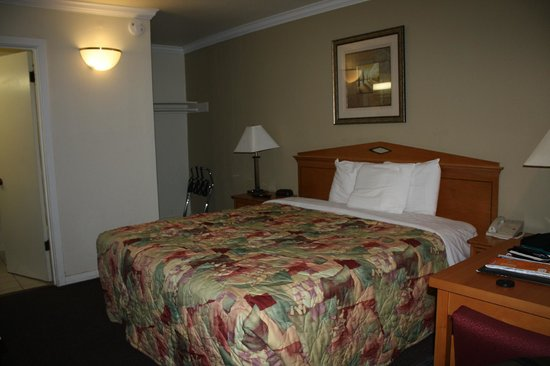 Bay Bridge Inn : Chambre
