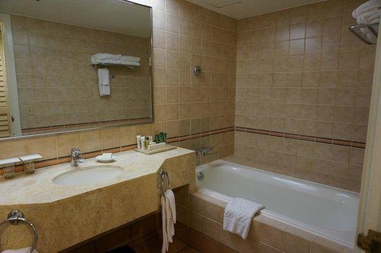 Hilton Guam Resort & Spa: プレミアタワーバスルーム