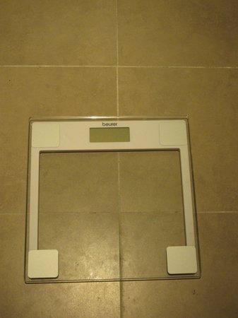 Sama-Sama Hotel: Weight scale