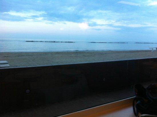 Vista fotograf a de ristorante la nave francavilla al for Ristorante la vista