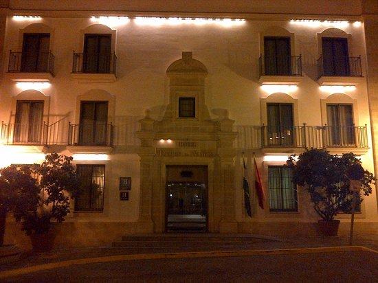 Hotel Duque de Najera: The Duque at night
