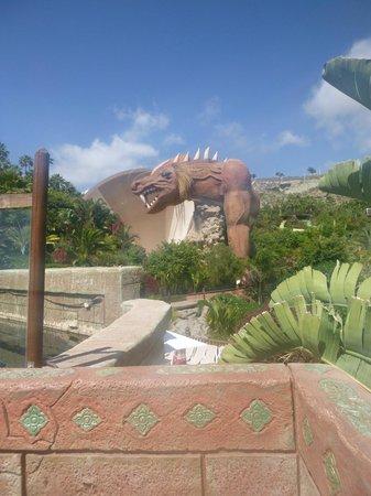 Siam Park: The dragon