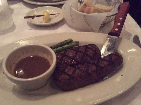 Maggiano's Little Italy : Sirlion