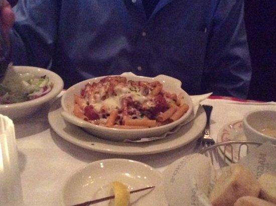 Maggiano's Little Italy : Ziti