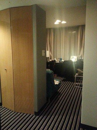 APA Hotel & Resort Tokyo Bay Makuhari: Foyer