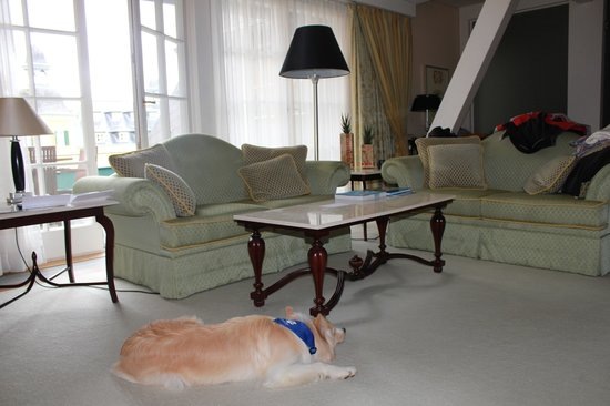Falkensteiner Schlosshotel Velden: even Lia liked the big spacious suite