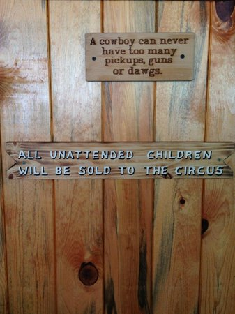 Wildcat Willies Ranch Grill & Saloon: funny sign on the wall