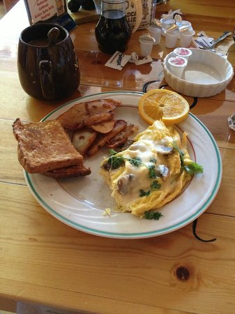 Wildcat Willies Ranch Grill & Saloon: mushroom & spinach omelette