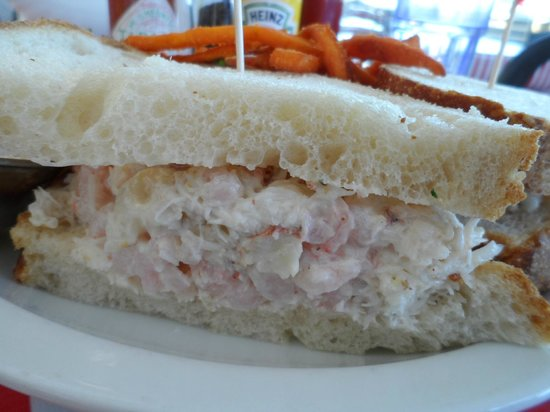 Pier 23 Cafe : Close up of the crab and shrimp sandwich.
