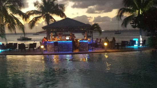 Hotel Riu Palace St Martin: Sunset at the beach