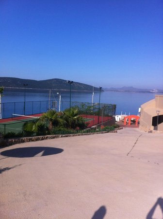 Ersan Resort & Spa: Terrain de tennis