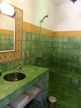 Dar Beldi : notre salle de bain