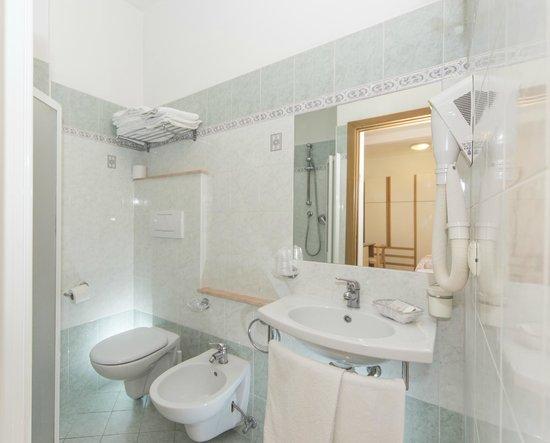 Hotel Silvia: i bagni delle nostre stanze