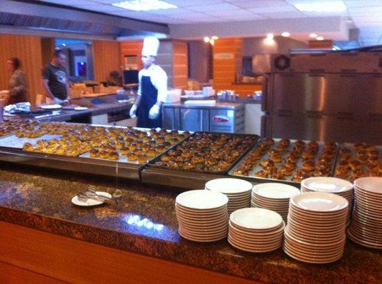 Ersan Resort & Spa: Buffet petit-déjeuner (problème de cuisson pour les croissants)