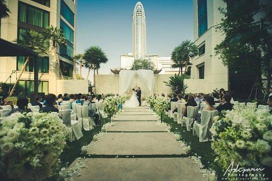 Siam Kempinski Hotel Bangkok : Our wedding ceremony :)