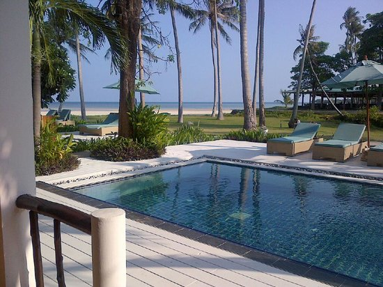 Shiva Samui: view from 2 bedroom apartment with pool and beach access