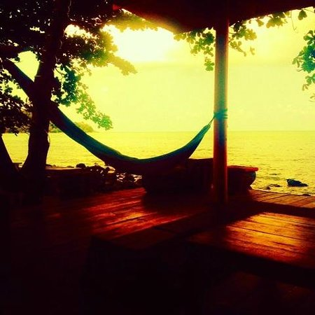 Warapura Resort: Sunset Bliss