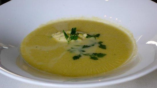 Brasserie Schiller: Riesling soup, very nice