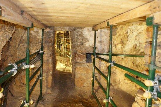 Tunnel of Eupalinos: 2